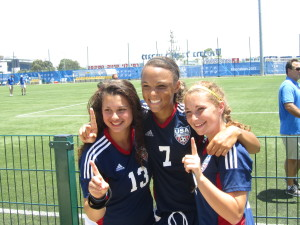 Nicole Spring (center) with teammates from U18 Maccabi USA Jewish National Team